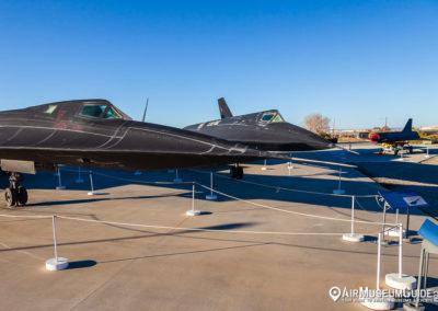 Lockheed SR-71A Blackbird & Lockheed A-12