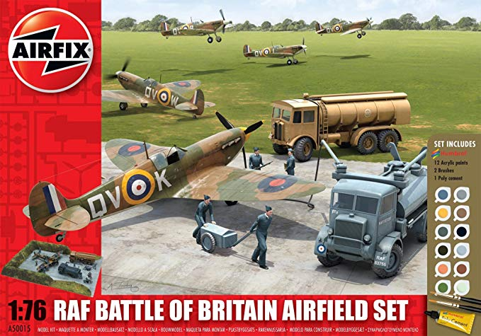 Airfix 1:76 RAF Battle of Britain Airfield Gift Set