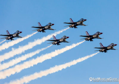 U.S. Air Force Thunderbirds - F-16C Fighting Falcon jets