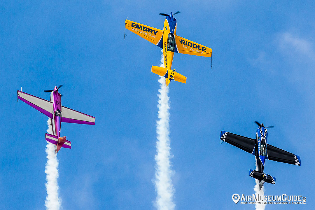 Matt Chapman in Extra 330LX (yellow), Bill Stein ina color changing Zivko Edge 540 and Rob Holland in MXS-RH.