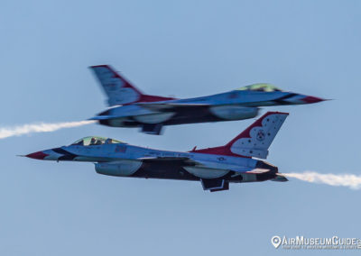 Thunderbirds in General Dynamics F-16C Fighting Falcons